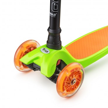 Trolo Maxi зелено-оранжевый со светящимися колесами